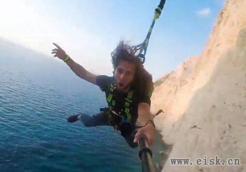 600英尺的狂欢,值得体验一番!600 foot Insane Rope Swin