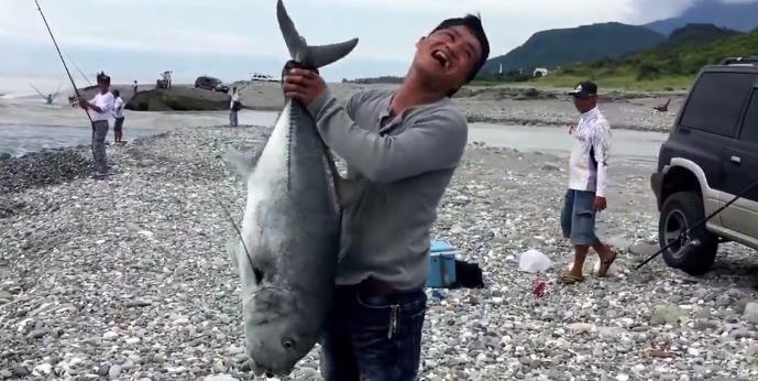 重型滩钓 - 远投中30斤牛港鰺